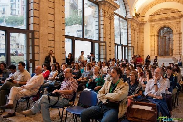 08102015-conferenza-inaugurale-identita-fuoriluogo-con-francesco-remotti-transetto-monte-di-pieta-28E6440C6-86CC-8102-16CE-8E3B2E027BB4.jpg