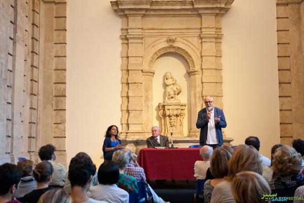 08102015-conferenza-inaugurale-identita-fuoriluogo-con-francesco-remotti-transetto-monte-di-pieta-55898B879-9D7A-8549-4305-BD822B4928C6.jpg