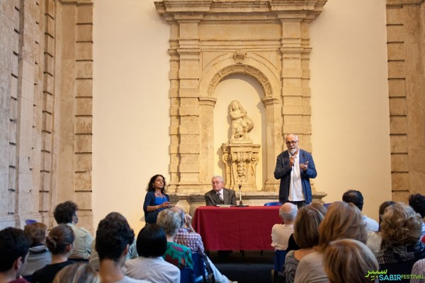 08102015-conferenza-inaugurale-identita-fuoriluogo-con-francesco-remotti-transetto-monte-di-pieta-5C69A81F4-1BA9-5E9C-E69C-B4643437D992.jpg